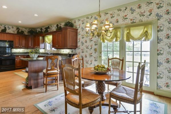 Kitchen_ Breakfast Room